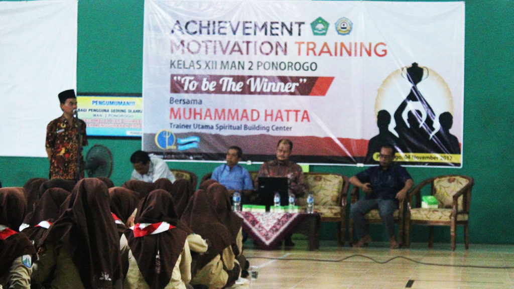 Achievement Motivation Training Kelas XII MAN 2 PONOROGO