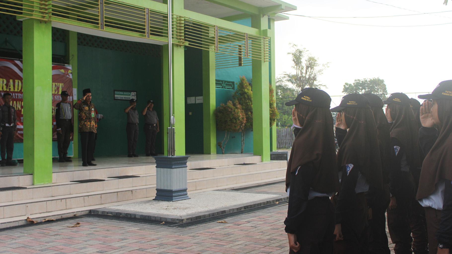 """""""Rade Baret 2018"""" Taruna Patroli Keamanan Sekolah (PKS) MAN 2 Ponorogo"""